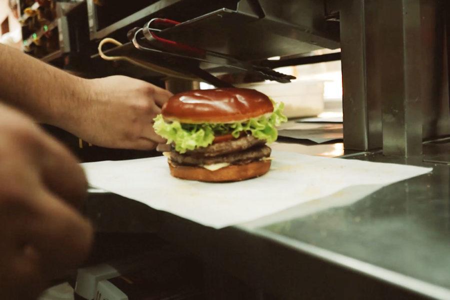 mcdonalds_caprese_burger2